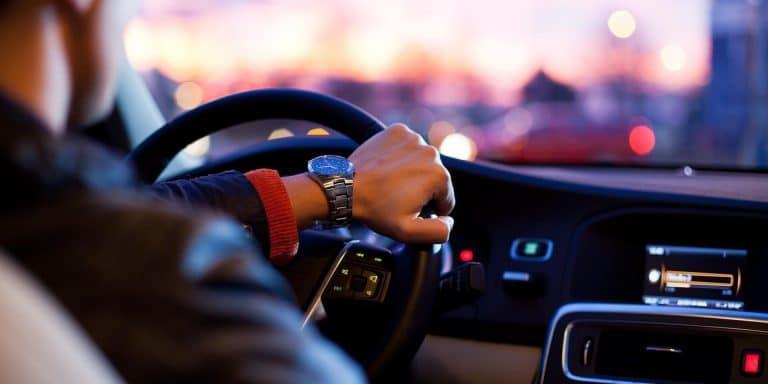 נהיגה ברכב