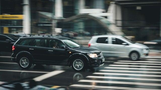 פגע וברח- צילום רכבים נוסעים